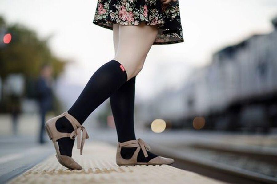 VIM & VIGR Moisture-Wick Nylon Socks, Solid Black, Wide Calf, 30-40 mmHg, , large image number 6